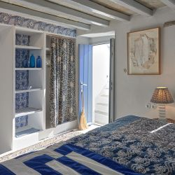 Xinara Bedroom over Archway 4